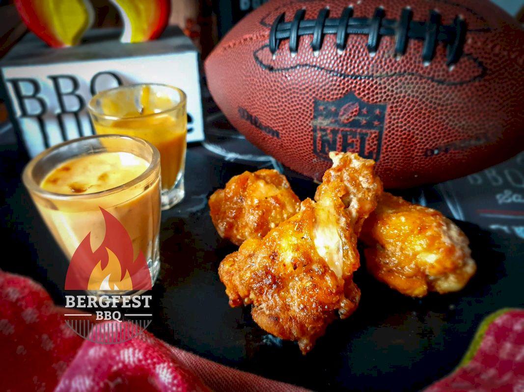 Fried Chicken Wings Buffalo Style
