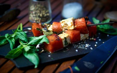 Melonen-Feta-Spieße mit Basilikum